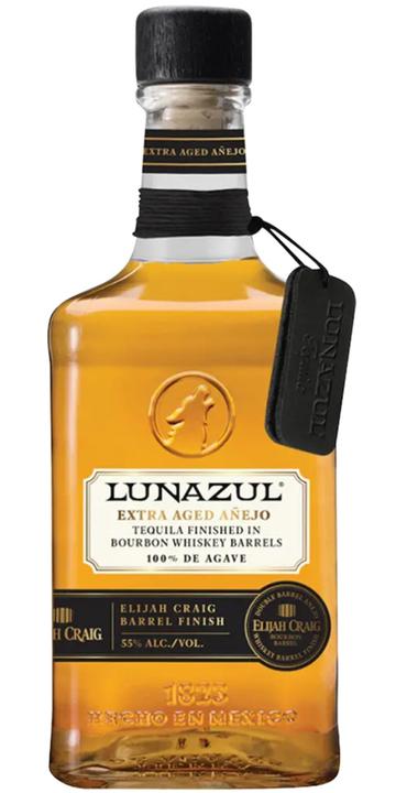 Bottle of Lunazul Extra Aged Añejo