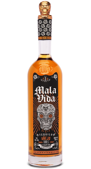 Bottle of Mala Vida Añejo