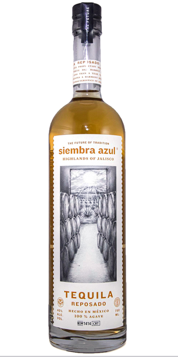 Bottle of Siembra Azul Reposado